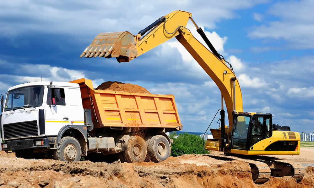 Earthmoving business protected by civil contracting insurance on the Gold Coast